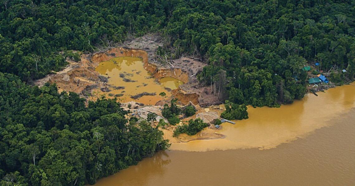 Rios, terras e alimentos contaminados: Como vivem os afetados pelo garimpo ilegal