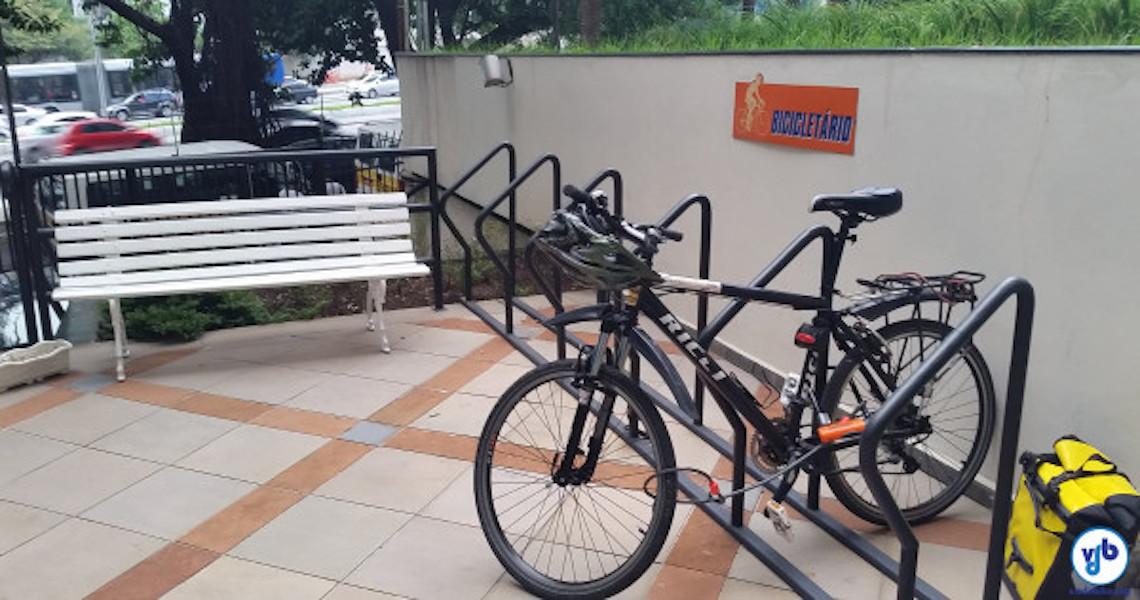 Supermercado deve ressarcir consumidor que teve bicicleta furtada em estacionamento