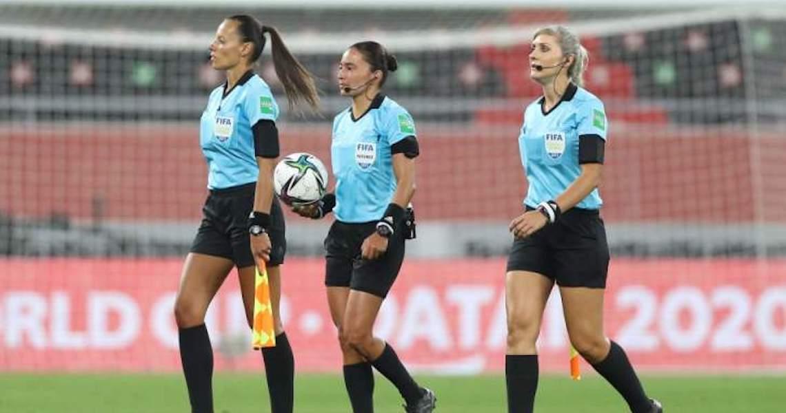 Pioneiras fazem arbitragem feminina romper barreiras no Mundial, Eliminatórias e Campeonato Inglês