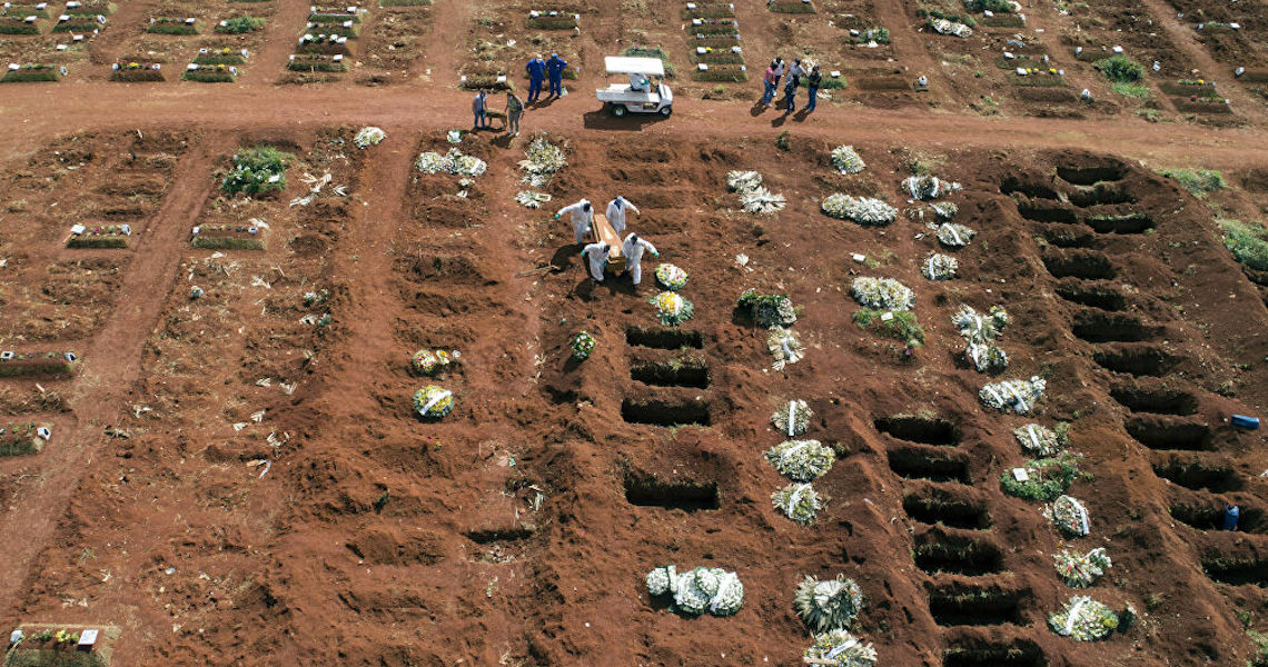 Descontrole da Covid-19 no Brasil prejudica comércio exterior do país, afirma especialista