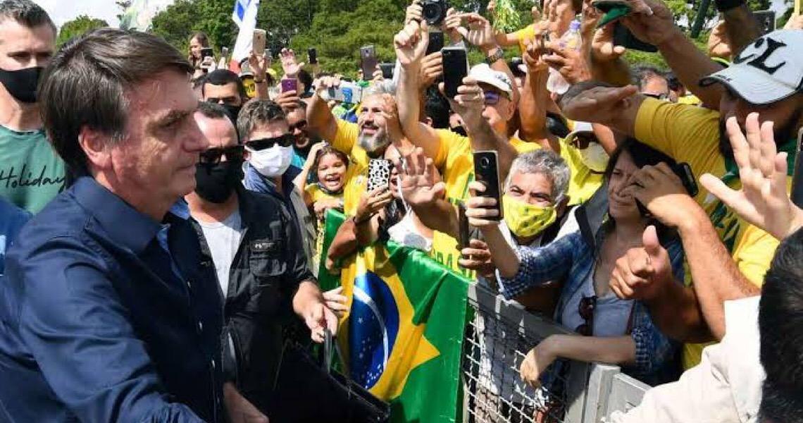 Supremo dá 15 dias para Bolsonaro explicar declarações antidemocráticas