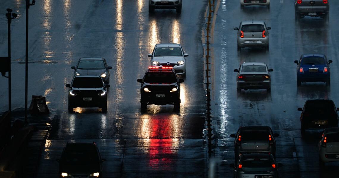 'Não prioriza a vida': Mudanças no código de trânsito no Brasil preocupam especialistas