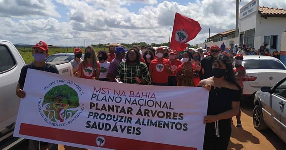 """Bolsonaro ataca o MST e movimento responde: """"Deveria estar preocupado com a pandemia"""""""