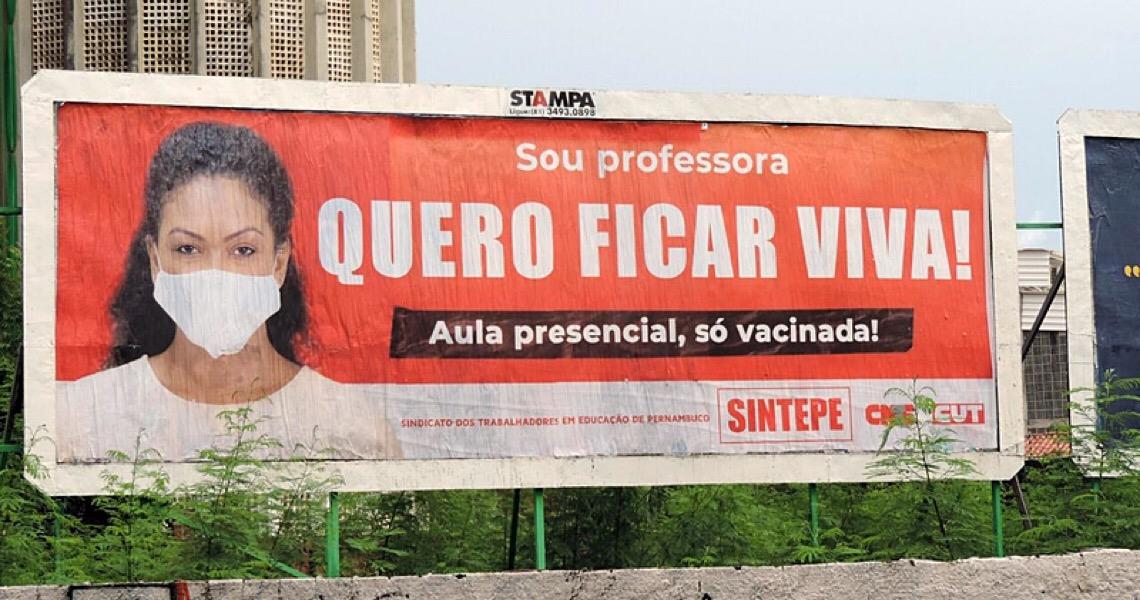 Sem vacina, trabalhadores da rede estadual de educação decretam greve em Pernambuco
