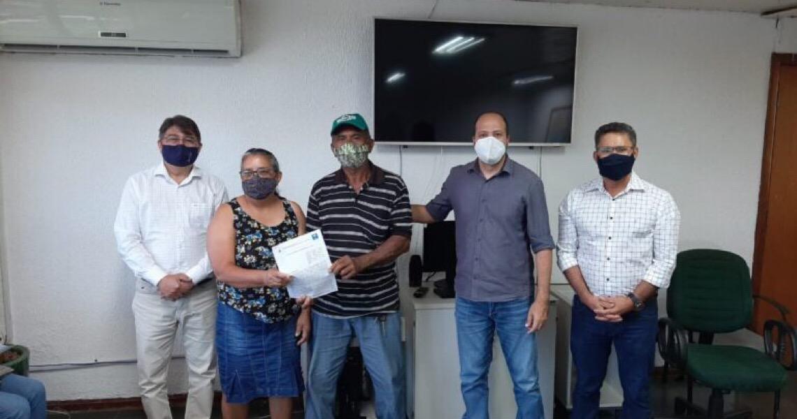 Produtores do Assentamento Nova Camapuã recebem títulos de suas terras