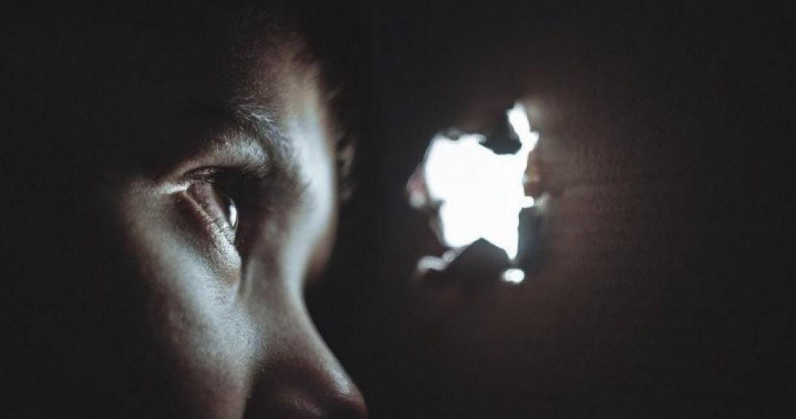 Perigo em casa: Sem escola, crianças ficam mais reféns da violência