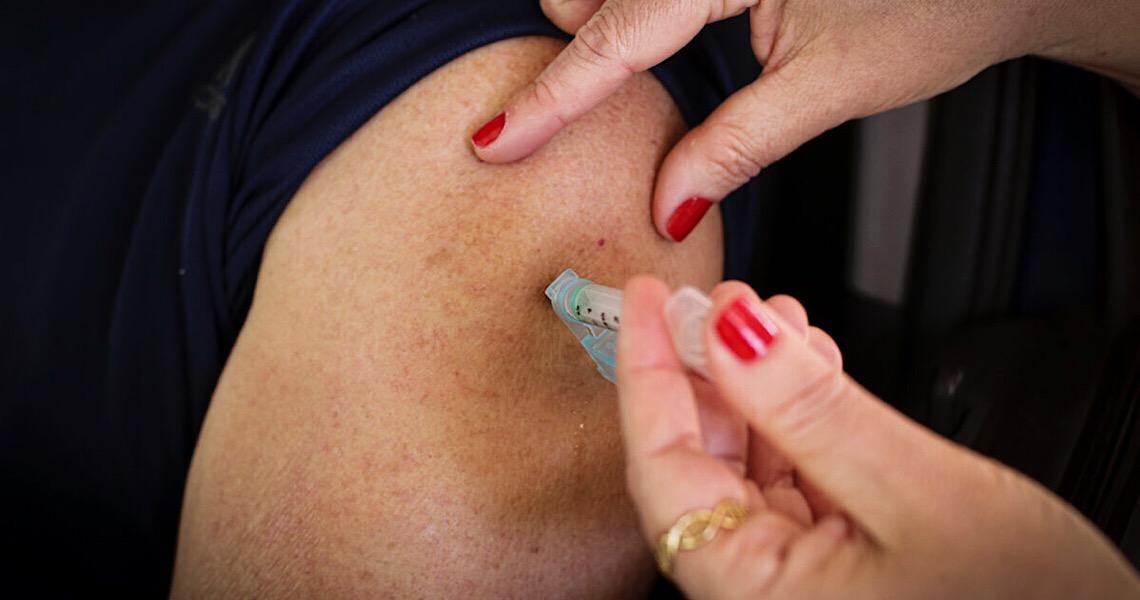 Oito pontos de vacinação estarão abertos no aniversário de Brasília