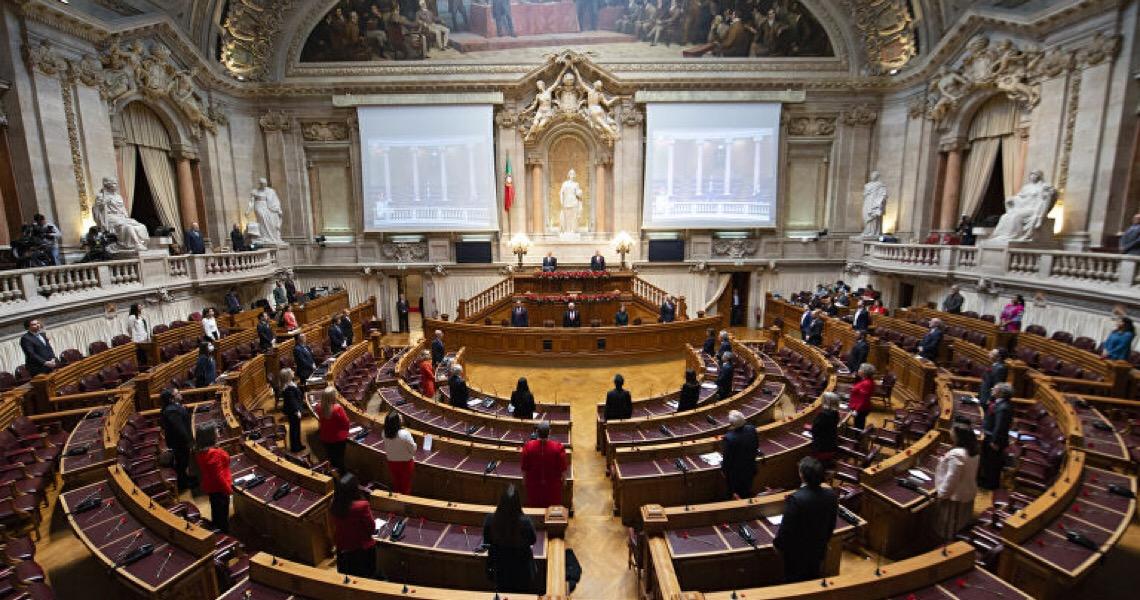 Comemorações do 25 de Abril voltam às ruas portuguesas, mas com precauções
