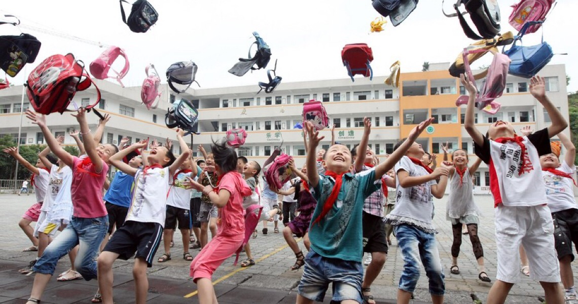 China reduz carga das tarefas de casa nas escolas