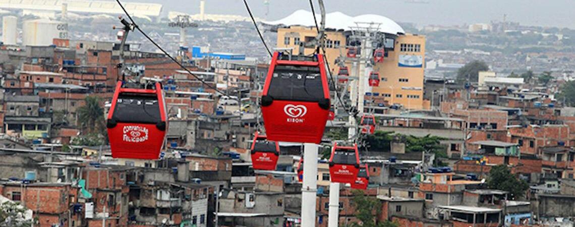 Teleférico do Alemão está em ruínas: Promessa de transformação no Rio de Janeiro completará 10 anos depredada