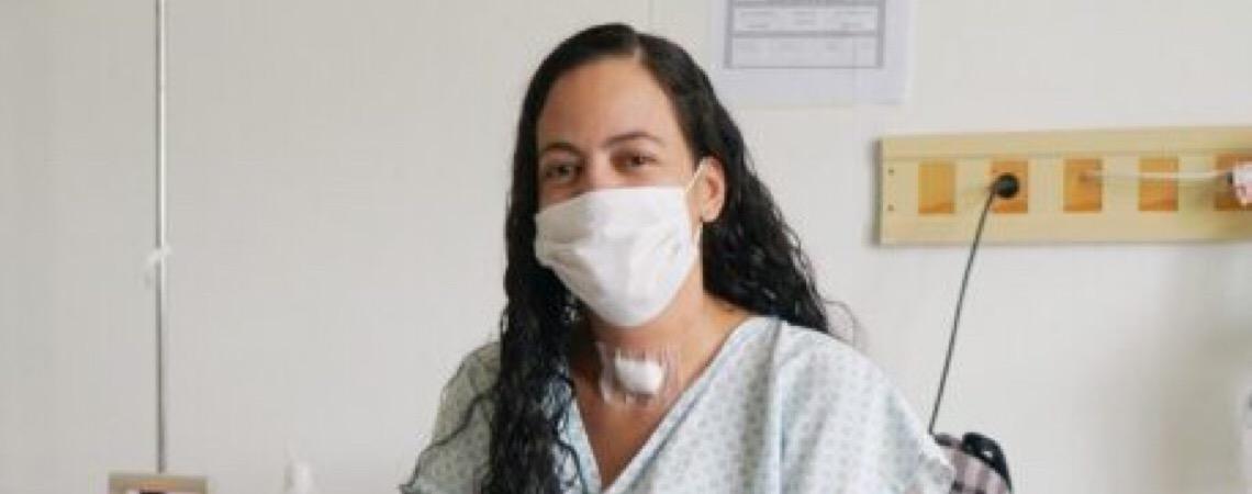 Após 22 dias do parto, mãe curada de covid-19 no DF vê filho pela primeira vez