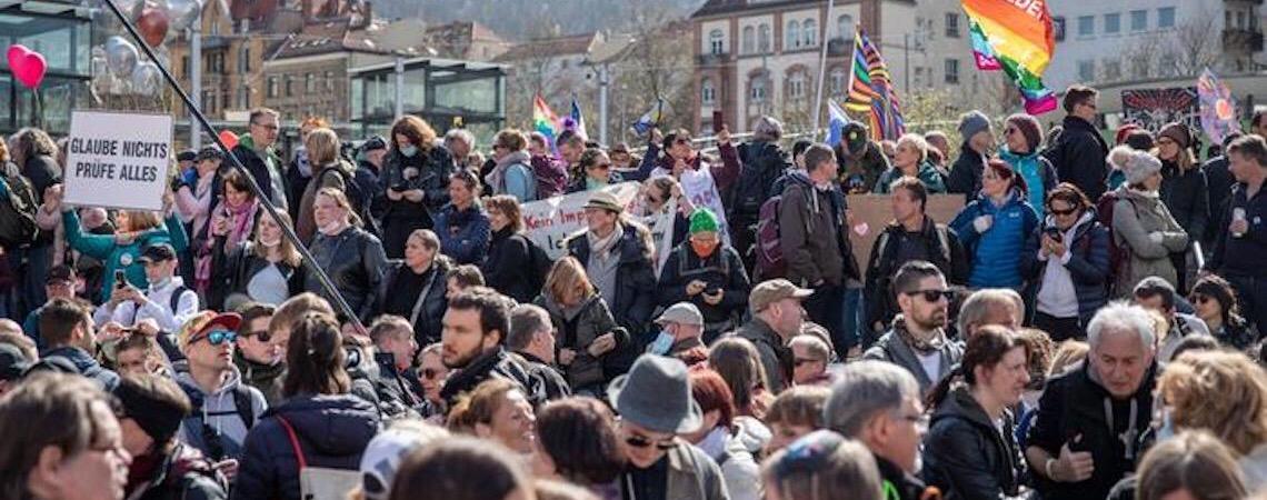Alemanha põe grupo negacionista sob vigilância nacional