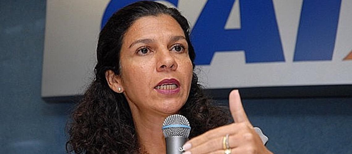 Privatizar banco público agora vai na contramão do mundo, diz ex-presidenta da Caixa