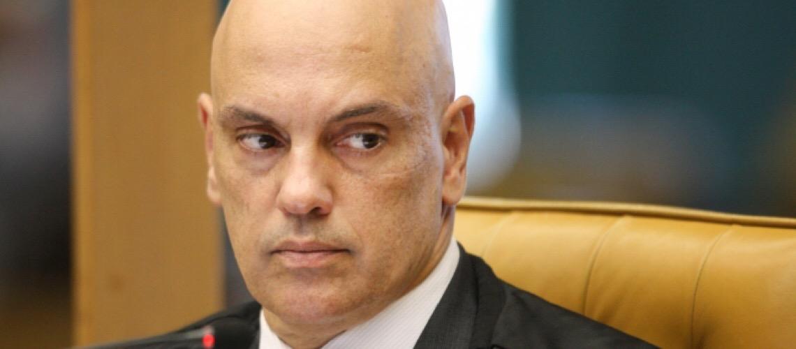 Deputado  Fausto Pinato envia a Alexandre de Moraes lista de sites com fake news sobre a pandemia