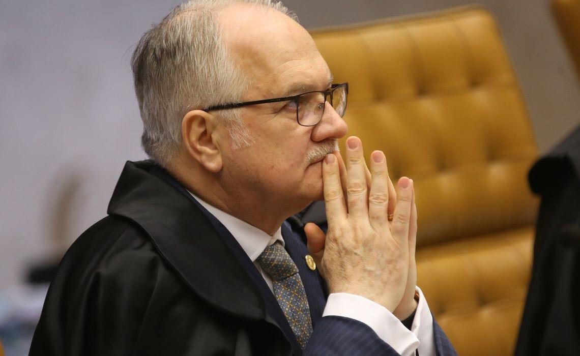 Edson Fachin, do STF, alerta: 'Populismo que ronda democracia brasileira é antessala do golpe'