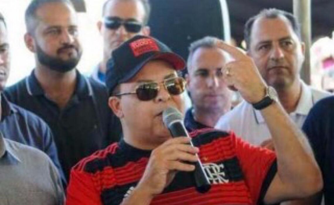 Governador Ibaneis Rocha coloca o bloco na rua