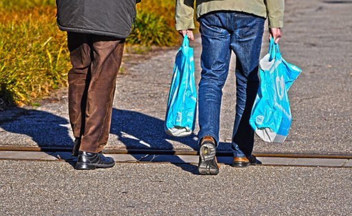 Sacolas plásticas serão proibidas no DF a partir de agosto de 2022