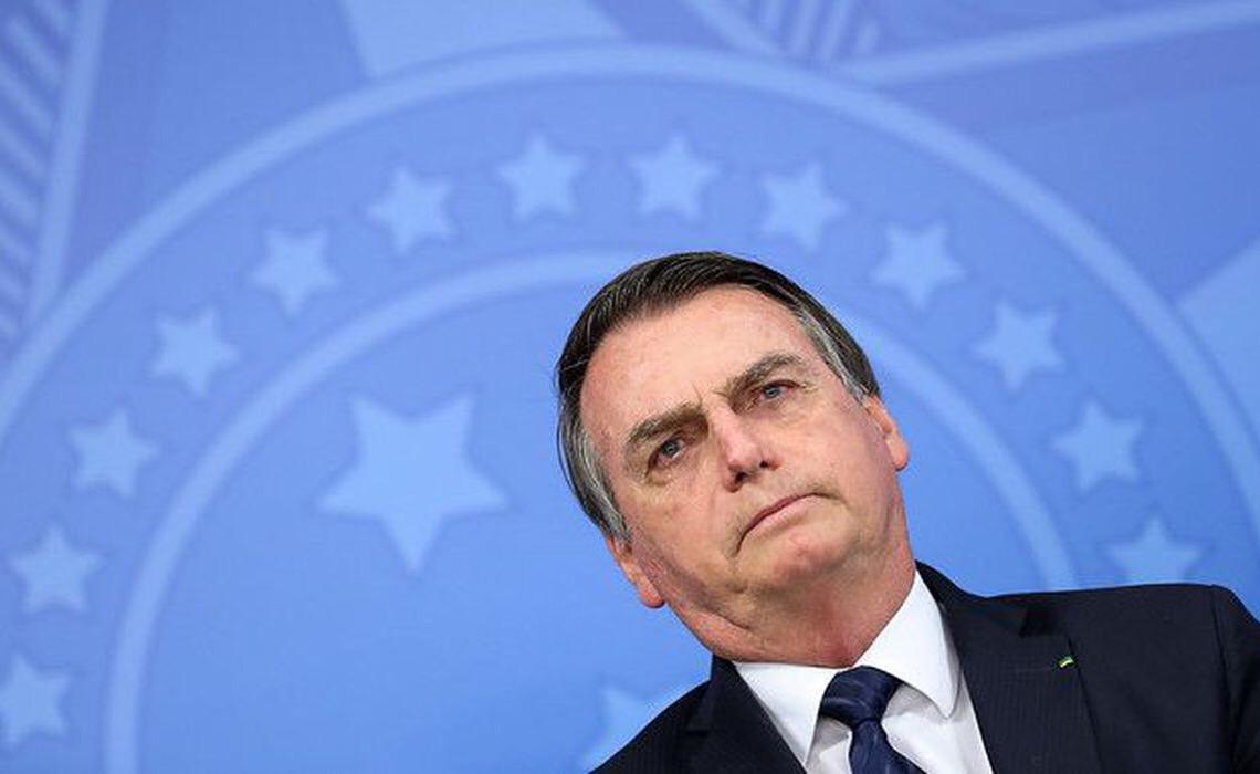 'Bolsonaro ofereceu galinhas, ovos e chaves do galinheiro às raposas do Congresso'