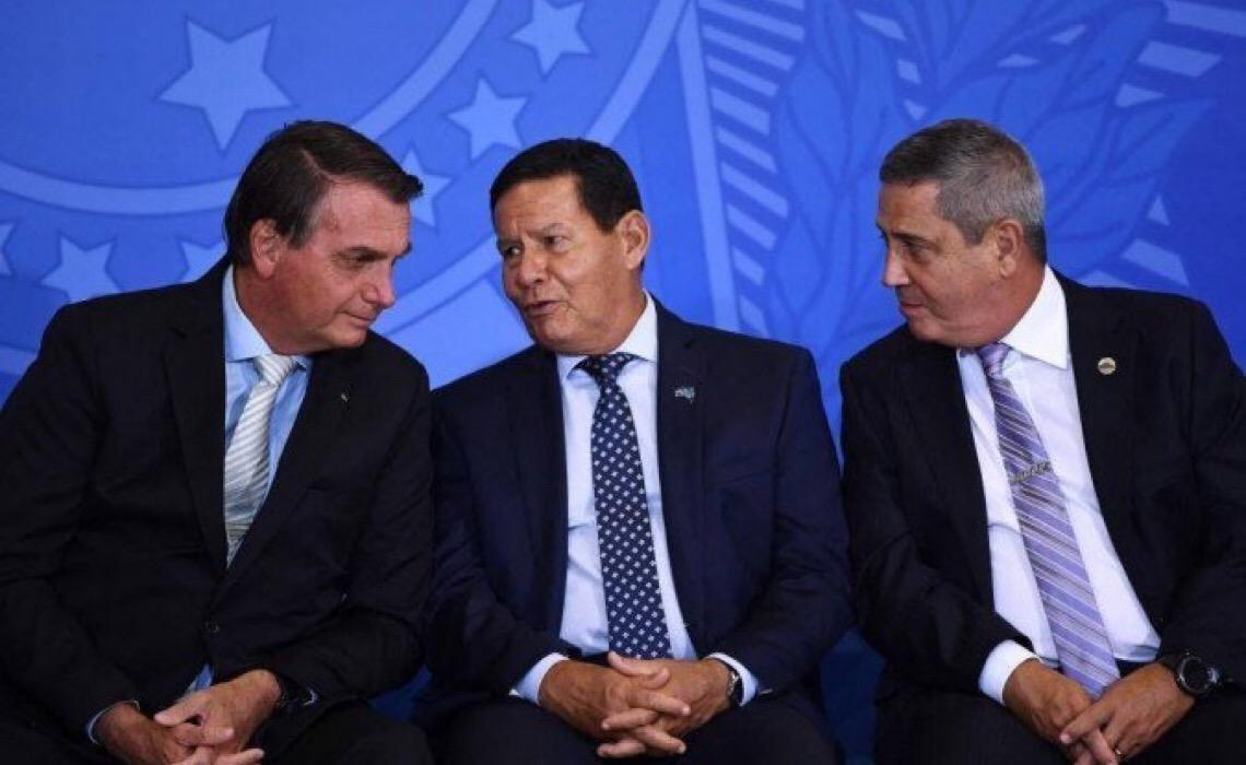 Com portaria, Bolsonaro, vice e ministros ganharão até 69% acima do teto