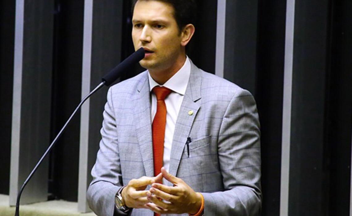 """Ao defender reforma, deputado diz que Brasília é um """"antro de servidores públicos"""""""