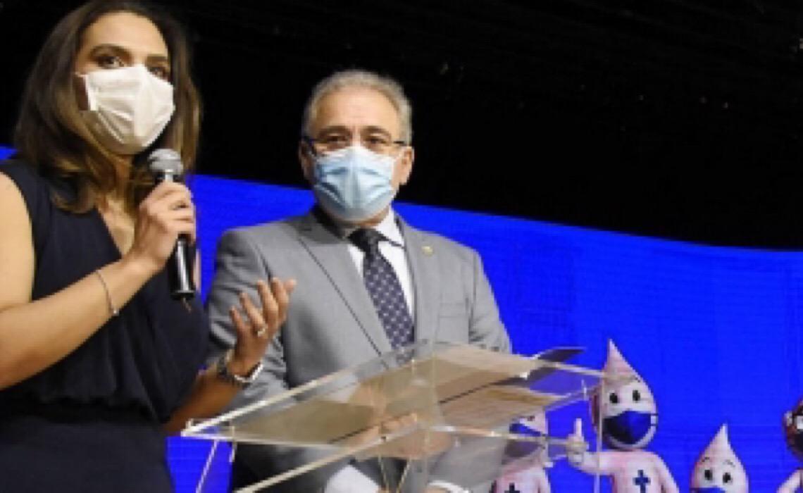 Pró-vacina, nova secretária do Ministério da Saúde já atacou ivermectina: 'mal funciona para piolho'