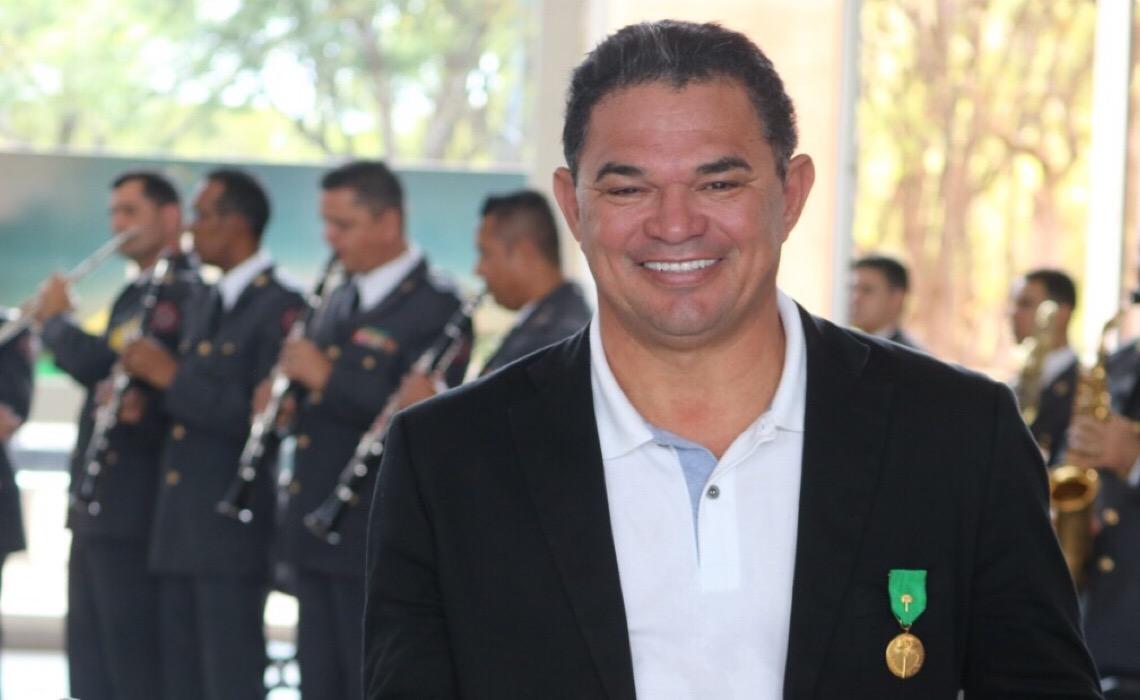 MP apura denúncia de homofobia de distrital em caso de beijo gay na PM