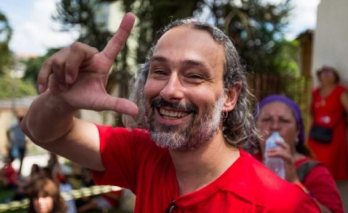Juíza afasta agentes acusados de suposta tortura contra ativista do DF