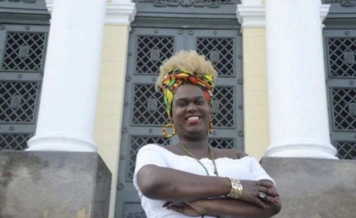 Benny Briolly, vereadora trans de Niterói, deixa o Brasil após ameaças de morte