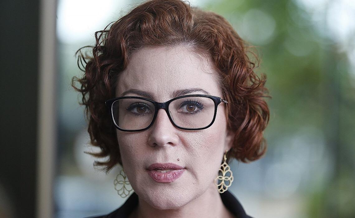 Justiça do DF nega pedido de indenização de delegado contra Carla Zambelli