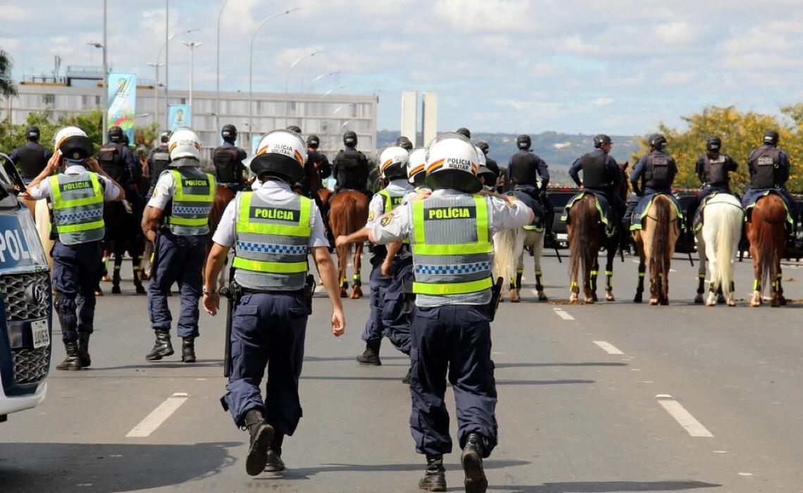 Em fórum: Policiais e bombeiros militares expressam discordância com decreto de Ibaneis Rocha