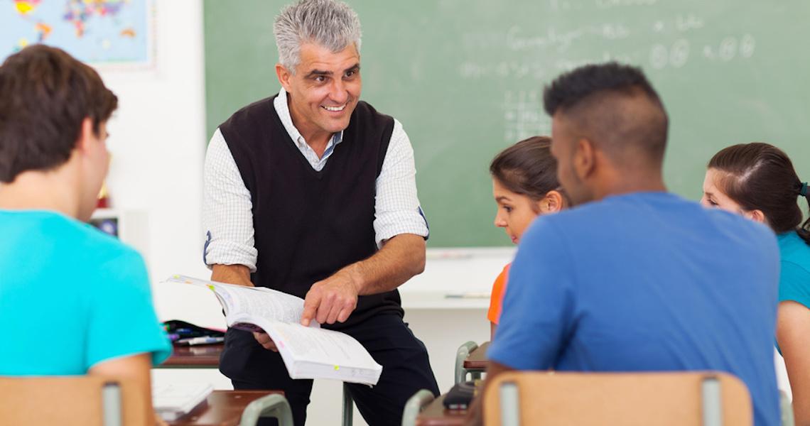 Professores se sentiriam mais valorizados se participassem das políticas públicas educacionais