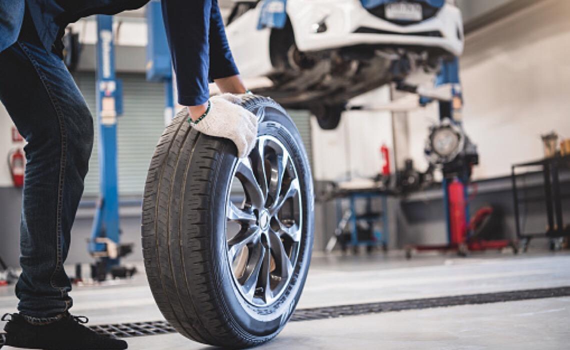 Empresas devem indenizar consumidoras por produto defeituoso que causou acidente