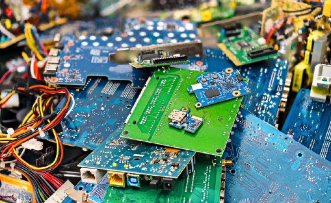 Na Semana do Meio Ambiente, Brasília vai receber seis drive-thrus para descarte de eletrônicos e pilhas