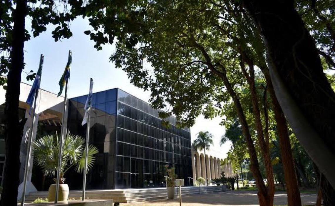 Em operação contra conselheiros do TC-MS, PF encontra R$ 1,6 milhão em dinheiro