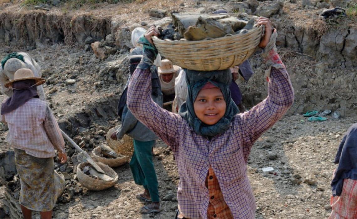 Número de crianças em trabalho infantil atinge recorde de 160 milhões no mundo