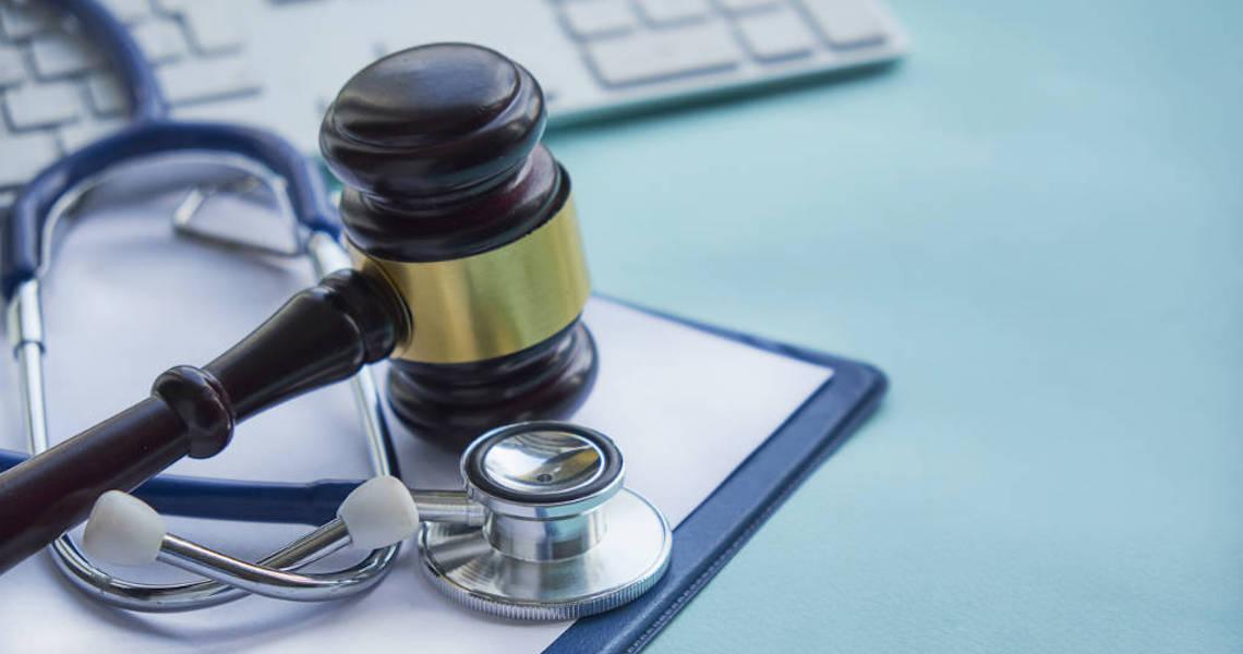 Médico é condenado a indenizar paciente que ficou tetraplégica após cirurgia