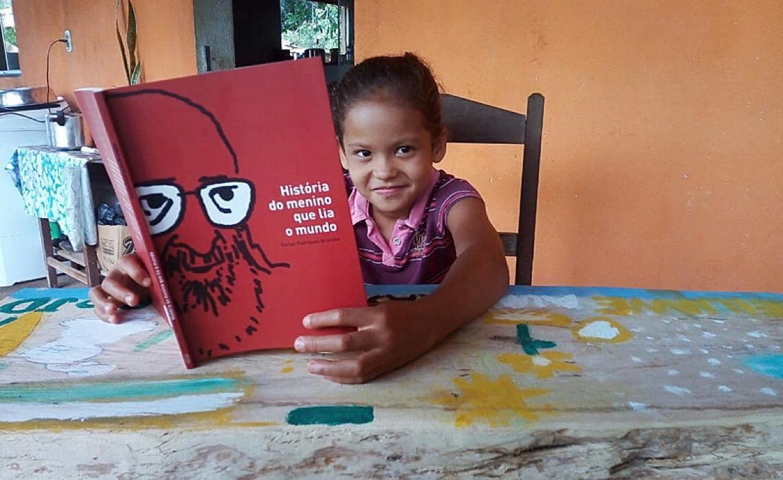 Hoje, na Fundação Cultural Palmares, seu atual presidente, se compraz em anunciar o expurgo de livros