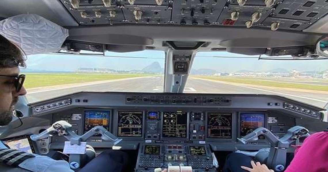 Medo e transtornos de avião podem ser minimizados por mudanças de hábitos e conhecimento de informações