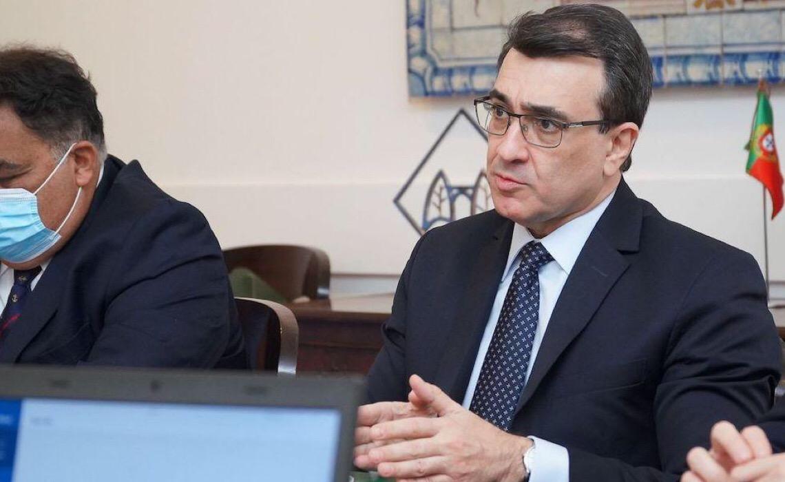 Brasil quer reforçar papel na CPLP, diz chanceler em visita a Portugal