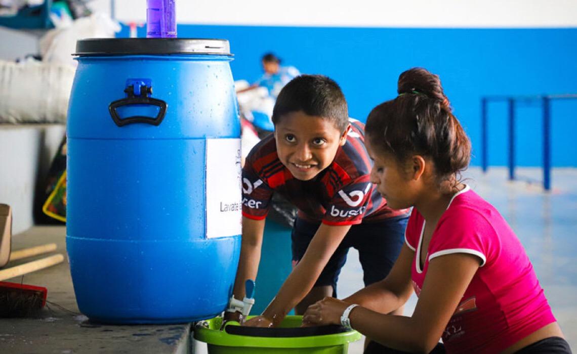 Educação e treinamento são as maiores prioridades para jovens migrantes em 2021