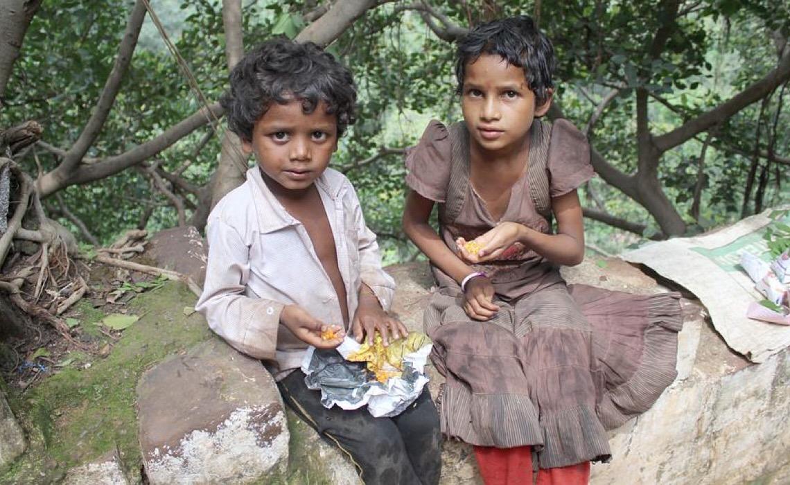 Mais de 113 mil crianças ficaram total ou parcialmente órfãs no Brasil em consequência da covid