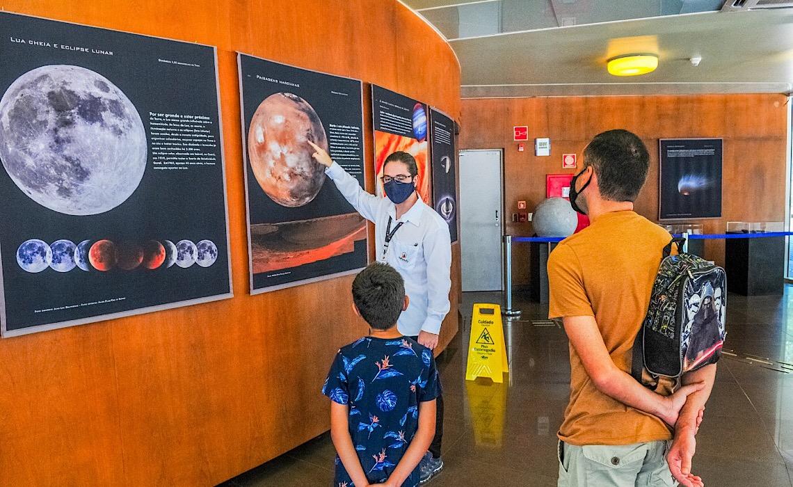 Participe da colônia de férias científica do Planetário de Brasília