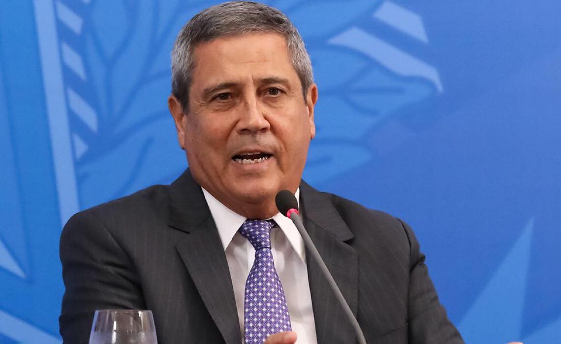 Ameaça de Braga Netto impulsiona atos contra Bolsonaro, dizem organizadores