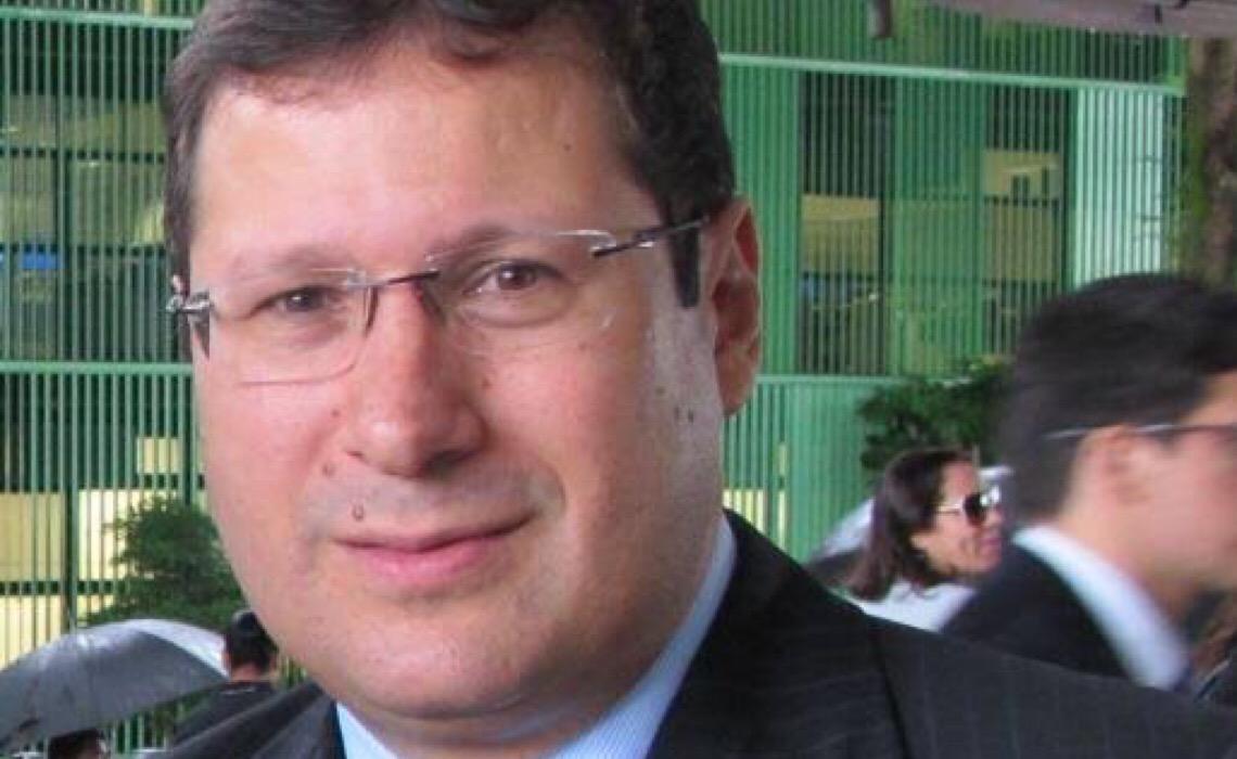 'Ameaça de Braga Netto configura crime', diz jurista em entrevista