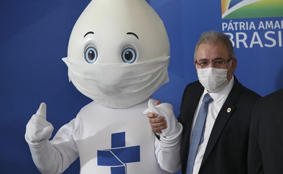 Especialista: Temos verbas para vacinar todos no Brasil, mas falta empenho político e organização