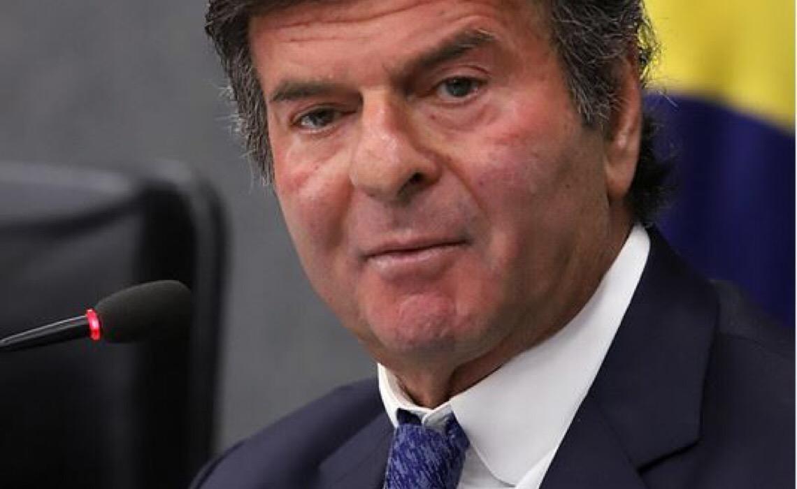 Fux prepara resposta a ameaças de Bolsonaro e Braga Netto e quer reunião entre Poderes