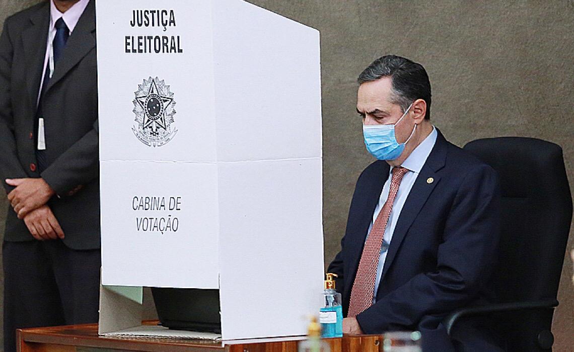 TSE abre inquérito para apurar ameaças de Bolsonaro às eleições e pede a STF que o investigue