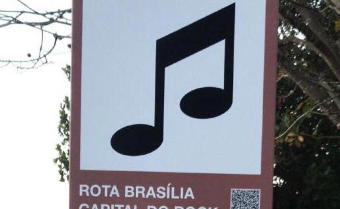 'Rota Brasília Capital do Rock' inaugura placa na Colina