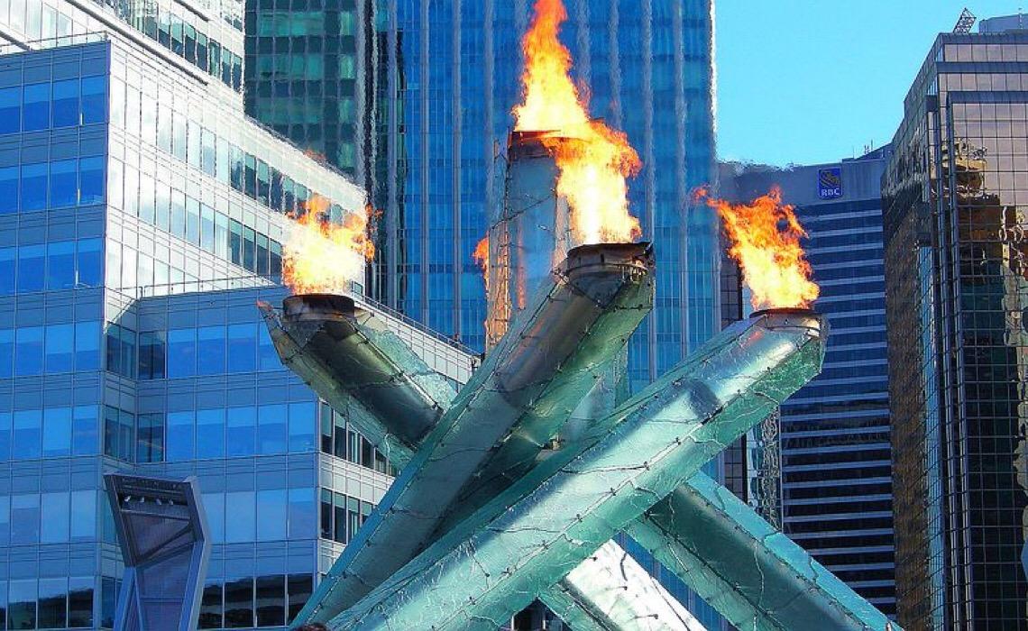 Revezamento da tocha paralímpica de Tóquio-2020 começa com acendimento de chamas