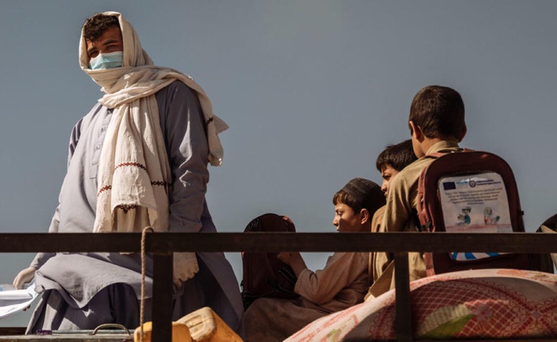 Acnur alerta para peso do conflito em mulheres e crianças deslocadas no Afeganistão
